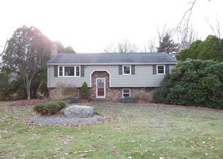 Foreclosed Home en SMITH ST, East Hampton, CT - 06424