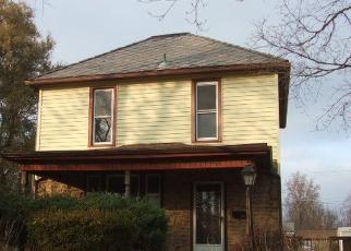 Foreclosed Home in E THOMPSON AVE, Hoopeston, IL - 60942