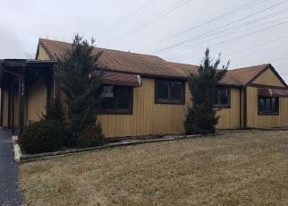 Foreclosed Home en N HOWARD AVE, Elmhurst, IL - 60126