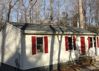 Foreclosed Home en SANTA ROSA LN, Lusby, MD - 20657