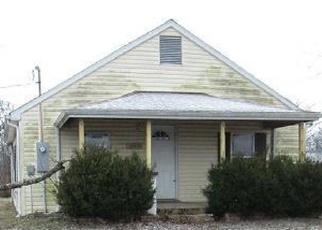 Casa en ejecución hipotecaria in Richland, MO, 65556,  HIGHWAY 7 N ID: F4378652