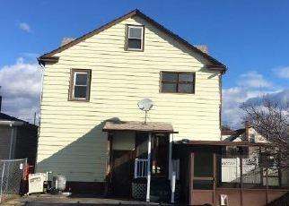 Foreclosed Home en SANOVIA ST, Pittston, PA - 18643