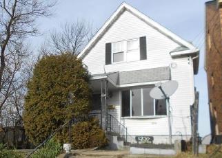 Casa en ejecución hipotecaria in Pittsburgh, PA, 15205,  COLESCOTT ST ID: F4379405