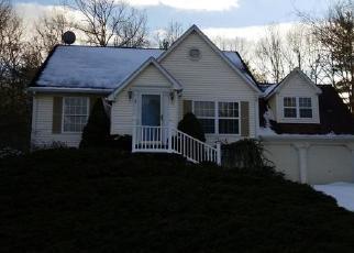Casa en ejecución hipotecaria in North Windham, CT, 06256,  HILLTOP DR ID: F4379479