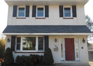 Foreclosed Home en HENDERSON AVE, Norwood, PA - 19074