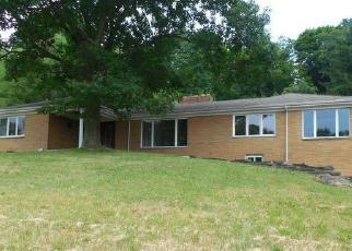 Foreclosed Home en ROSSLYN RD, Carnegie, PA - 15106