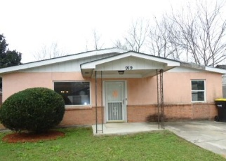 Foreclosed Home en LYNAH ST, Savannah, GA - 31415