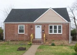 Foreclosed Home in SUSAN PL, Uniondale, NY - 11553