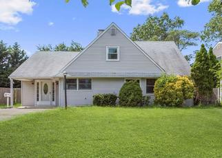 Foreclosed Home in BOAT LN, Levittown, NY - 11756