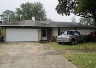 Foreclosed Home en GRAYBAR DR, Jacksonville, FL - 32221