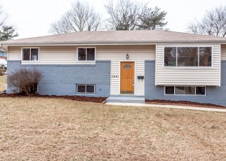 Casa en ejecución hipotecaria in Oxon Hill, MD, 20745,  HELMONT DR ID: F4382915