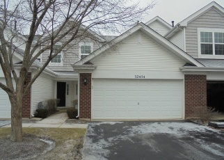Foreclosed Home en N RUSHMORE AVE, Mchenry, IL - 60051