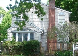 Casa en ejecución hipotecaria in Islip Terrace, NY, 11752,  FAIRVIEW AVE ID: F4383342