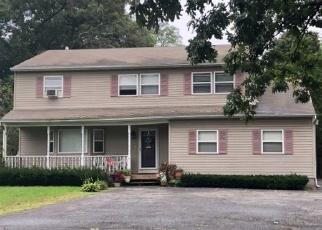 Foreclosed Home en OCEAN AVE, Ronkonkoma, NY - 11779