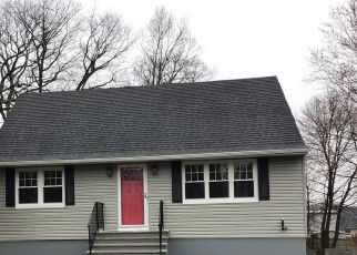 Foreclosed Home en SOUNDVIEW AVE, Bridgeport, CT - 06606