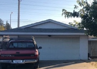 Foreclosed Home en ROCKHURST WAY, Sacramento, CA - 95828