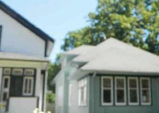 Casa en ejecución hipotecaria in West Bend, WI, 53095,  S 6TH AVE ID: F4387979
