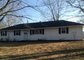Foreclosed Home en MORNINGSIDE DR, Garden City, MO - 64747