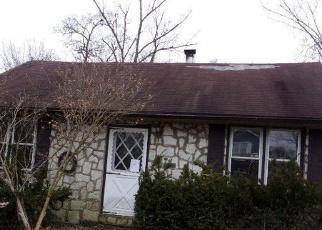 Casa en ejecución hipotecaria in Langhorne, PA, 19047,  VINE ST ID: F4388446