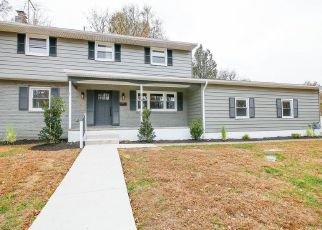 Foreclosed Home in POPLAR AVE, Woodbury Heights, NJ - 08097