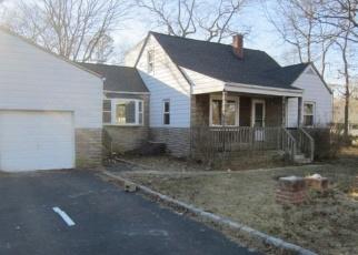 Casa en ejecución hipotecaria in Shirley, NY, 11967,  AUBORN AVE ID: F4388644