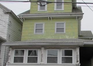 Foreclosed Home en RIDGE ST, Freeland, PA - 18224