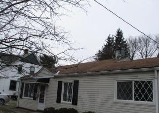 Casa en ejecución hipotecaria in Bedford, OH, 44146,  W GLENDALE ST ID: F4388965