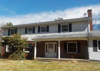 Foreclosed Home en BEAR CREEK BLVD, Wilkes Barre, PA - 18702