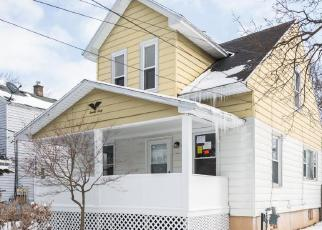 Foreclosed Home in DENWOOD AVE SW, Wyoming, MI - 49509