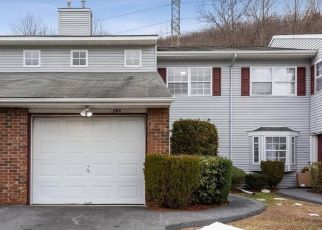 Foreclosed Home en HERITAGE LN, Monroe, NY - 10950