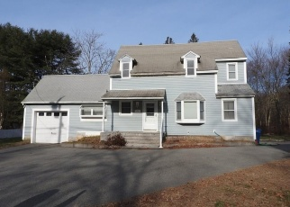 Foreclosed Home en GALLOWS LN, Quaker Hill, CT - 06375