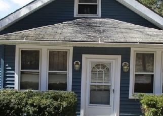 Casa en ejecución hipotecaria in Waterbury, CT, 06704,  YALE ST ID: F4392408