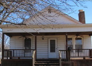 Foreclosed Home in 8TH ST, Wood River, IL - 62095