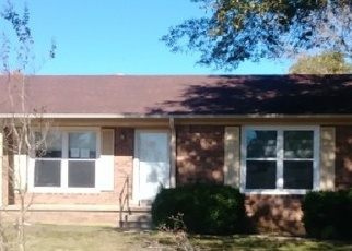 Foreclosed Home in GREENBRIAR AVE, Lexington, TN - 38351