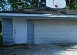 Foreclosed Home in CHARLES DR, Glendale Heights, IL - 60139
