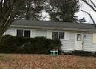 Foreclosed Home en PALMER ST, Imlay City, MI - 48444
