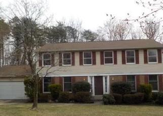 Foreclosed Home in BREEZY KNOLL CT, Lanham, MD - 20706
