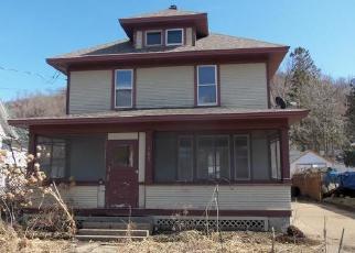 Casa en ejecución hipotecaria in Red Wing, MN, 55066,  W 7TH ST ID: F4392914