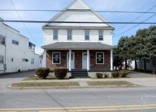 Foreclosed Home en BOULEVARD AVE, Dickson City, PA - 18519