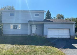 Foreclosed Home en CRANE ST, Scranton, PA - 18505