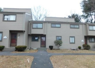 Foreclosed Home en GREENBRIAR DR, Farmington, CT - 06032