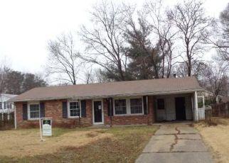 Foreclosed Home en MOONCOIN CIR, Waldorf, MD - 20602