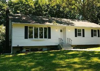 Foreclosed Home en RANDALL RD, Wading River, NY - 11792