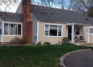 Foreclosed Home en BRANFORD RD, North Branford, CT - 06471