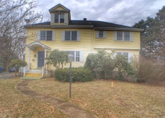 Foreclosed Home en ASHWELL AVE, Rocky Hill, CT - 06067