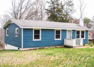 Foreclosed Home en HOWARDSVILLE TPKE, Schuyler, VA - 22969