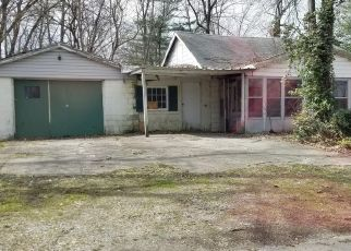 Foreclosed Home in WILSHIRE AVE, Louisville, KY - 40216