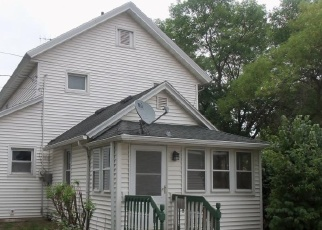 Foreclosed Home en S 7TH ST, Lake City, MN - 55041