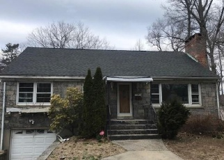 Foreclosed Home in GRIFFIN AVE, Bridgeport, CT - 06606