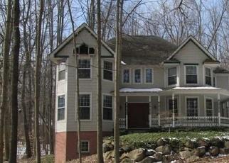 Foreclosed Home en TRILLIUM LN, Canton, MI - 48187